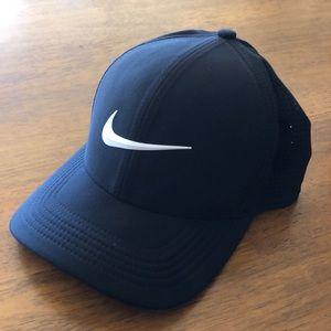 Nike Classic99 Dri-Fit Golf Hat - Size S/M